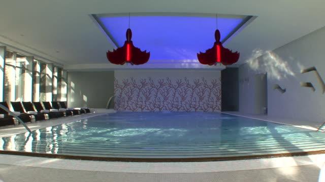 vídeos y material grabado en eventos de stock de ms pool at luxury spa / umag, croatia - spa