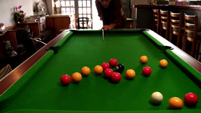 vídeos y material grabado en eventos de stock de pool table - salón de billares