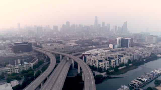vidéos et rushes de mauvaise qualité de l'air dans la baie de san francisco - qualité