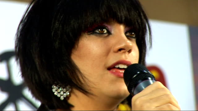 2010 brit awards lily allen press conference sot feels good [giggles a lot] / i'm taking a break i work in an office now / i've been at award... - lady gaga stock videos & royalty-free footage