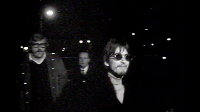 stockvideo's en b-roll-footage met abbey road studio engineer ken scott **music overlay the beatles 'sergeant pepper's lonely hearts club band'** ext / night b/w george harrison and... - 1967