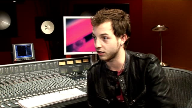james morrison interview; england: int james morrison interview sot - discusses little noise music session/ current tour/ comfortable playing live/... - ポピュラーミュージックツアー点の映像素材/bロール