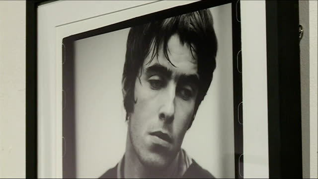 oasis 20th anniversary exhibition england london shoreditch london newcastle project space int photographs of band 'oasis' displayed on gallery wall... - galeere stock-videos und b-roll-filmmaterial