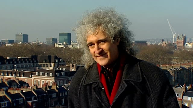 vídeos de stock, filmes e b-roll de queen elizabeth's diamond jubilee concert: gary barlow and brian may interviews; brian may interview sot - on public ballot for tickets - on what the... - rock moderno