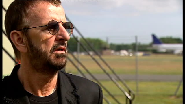ringo starr announces european tour; ext ringo starr interview sot - discusses forthcoming tour/ comments about still loving liverpool/ not up to him... - ポピュラーミュージックツアー点の映像素材/bロール