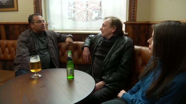 The Fall founder Mark E Smith dies TX ENGLAND Manchester INT Mark E Smith sitting chatting with Channel 4 news reporter in pub/ Mark E Smith...