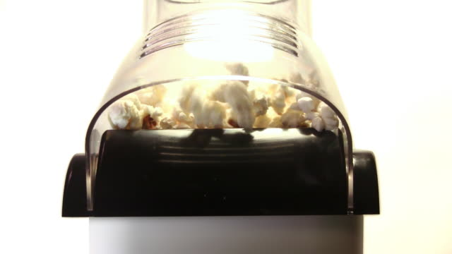 popcorn - popcorn stock-videos und b-roll-filmmaterial