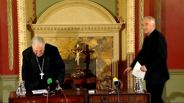 pope appoints successor to cardinal cormac murphy o'connor central london int most reverend vincent nichols into press conference with cardinal... - nachfolger stock-videos und b-roll-filmmaterial