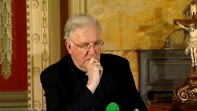 pope appoints successor to cardinal cormac murphy o'connor; central london: int cormac murphy-o'connor and nichols at press conference close shot... - cormac murphy o'connor stock videos & royalty-free footage