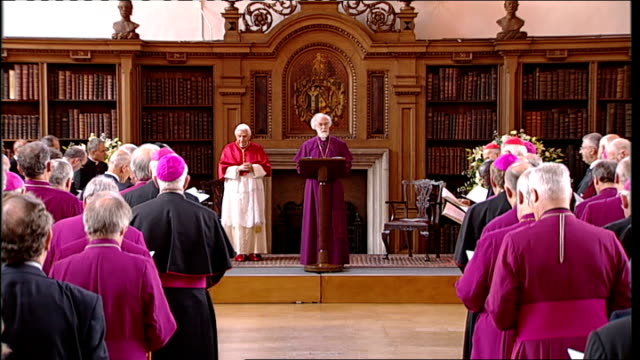 pope benedict xvi state visit: day two: lambeth palace; clergy applauding as pope benedict along next williams sot / general view of clergy... - anglican stock videos & royalty-free footage