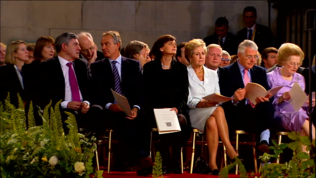 day two westminster hall int gordon brown tony blair and wife cherie blair john major and wife norma major and baroness thatcher in front row brown... - ノーマ メジャー点の映像素材/bロール