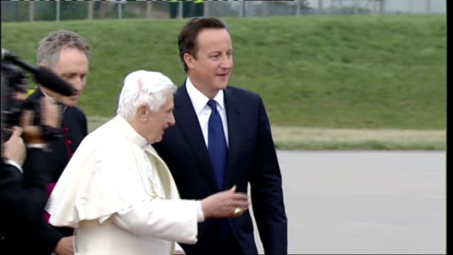 farewells and plane departure scotland birmingham birmingham airport ext **some flash photography throughout** pope benedict xvi speaking to prime... - minister clergy stock videos and b-roll footage