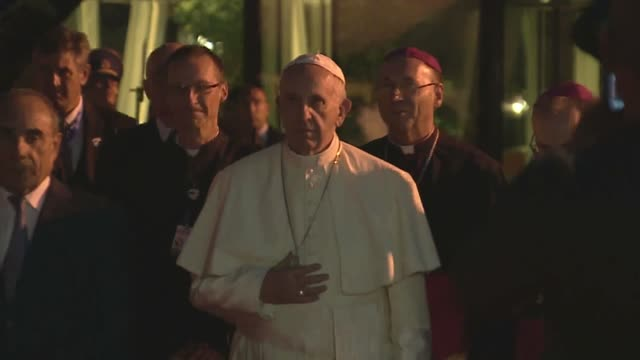 pope francis arrives to baku airport dpr departure after meeting with president of azerbaijan ilham aliyev in baku, azerbaijan on october 02, 2016.... - pope stock videos & royalty-free footage