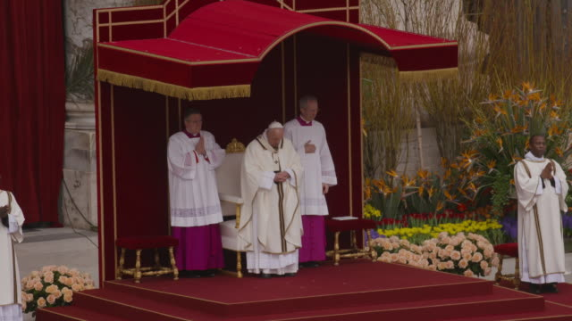 pope francis at holy week celebrations in italy - pope francis holds easter mass in st peters square on april 21, 2019 in vatican city, vatican. - holy week stock videos & royalty-free footage