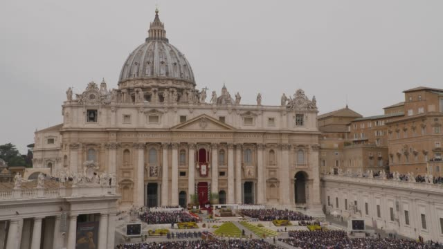 pope francis at holy week celebrations in italy pope francis holds easter mass in st peters square on april 21, 2019 in vatican city, vatican. - pope stock videos & royalty-free footage