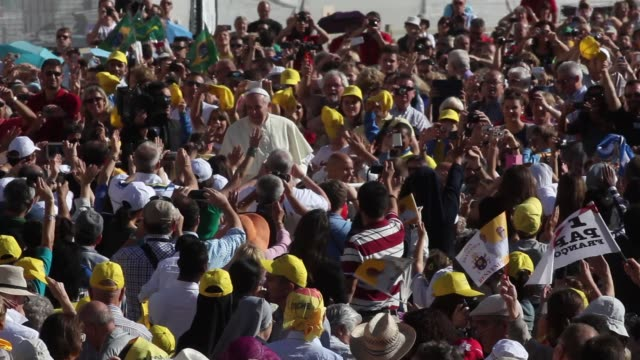 broll pope francis at pope francis holds weekly audience at the vatican on october 02 2013 in vatican city vatican - pope stock videos & royalty-free footage