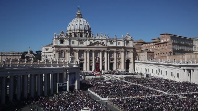 clean pope francis attends palm sunday mass at st peter's square on march 29 2015 in vatican city vatican - state of the vatican city stock videos & royalty-free footage