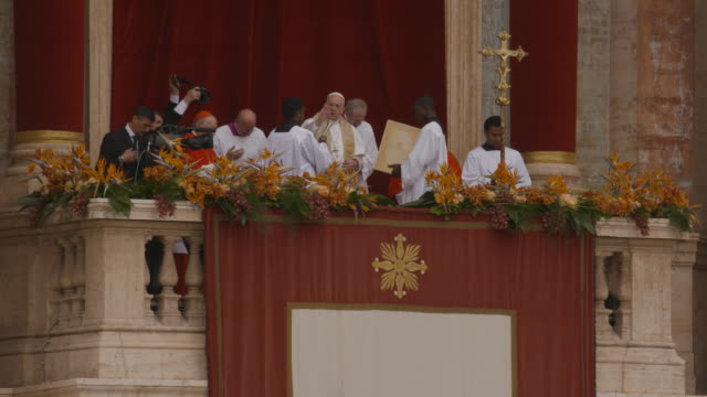 pope francis delivers his blessing at holy week celebrations in italy pope francis holds easter mass in st peters square on april 21, 2019 in vatican... - holy week stock videos & royalty-free footage