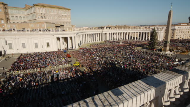 pope francis delivers his urbi et orbi christmas blessing at the vatican on december 25, 2019 in vatican city, vatican. - pope stock videos & royalty-free footage