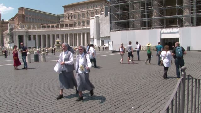 stockvideo's en b-roll-footage met pope francis gave the go ahead on friday for john paul ii to be made saint and granted a rare exception for canonisation at the same time for john... - pope john xxiii