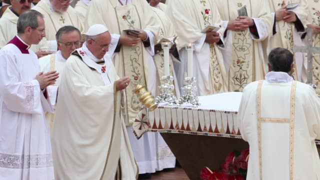clean pope francis holds a mass as he visits assisi on october 04 2013 in assisi italy - assisi stock videos and b-roll footage