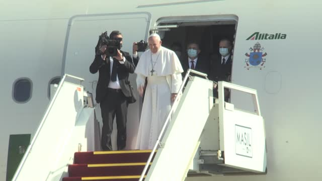 pope francis returned to italy following his historic four-day visit to iraq on march 08, 2021. francis was sent off with an official farewell... - nasiriyah stock videos & royalty-free footage