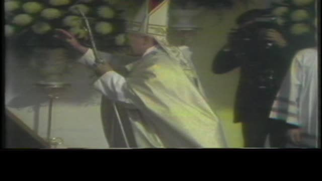 pope john paul ii visits chicago on october 05, 1979 in chicago, illinois. - pope john paul ii stock videos & royalty-free footage