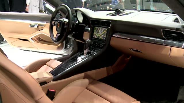 vidéos et rushes de porsche 911 carrera s - vehicle interior - intérieur de véhicule