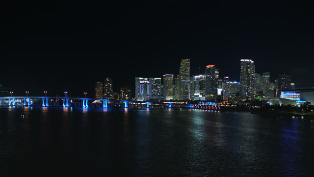 port  avenue causeway and downtown skyline, miami - miami dade county stock videos & royalty-free footage