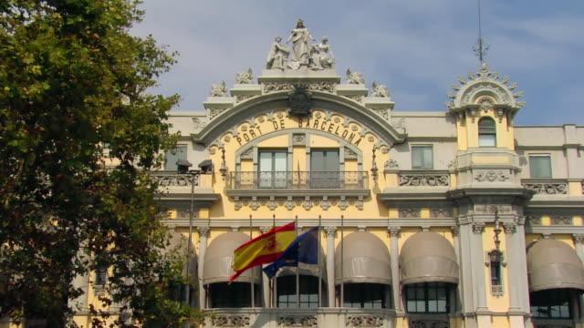 vídeos de stock e filmes b-roll de cu, zo, ms, port de barcelona building, barcelona, spain - porto de barcelona