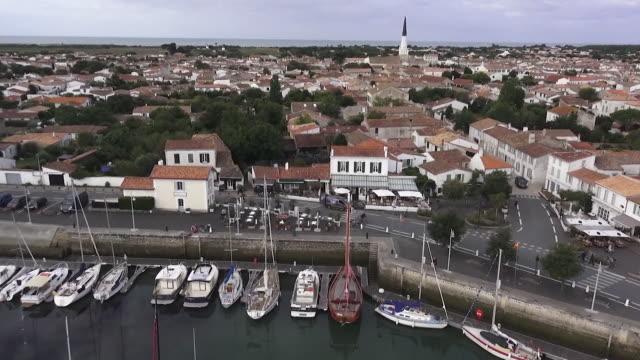 port de l'île de ré - nouvelle aquitaine stock videos & royalty-free footage