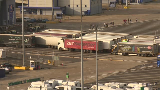 port of dover fears trade bottleneck after brexit england kent dover ferries and traffic along at the port of dover lorries queueing at the port view... - dover kent stock-videos und b-roll-filmmaterial