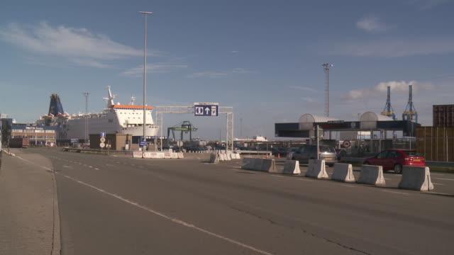 stockvideo's en b-roll-footage met ms port of embarkation / zeebrugge, flandres, belgium - zeebrugge
