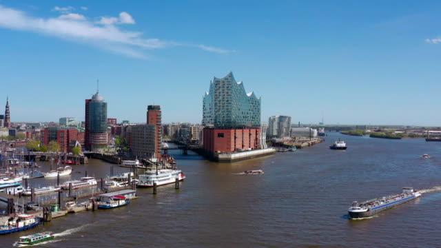 port of hamburg aerial view - hamburg stock-videos und b-roll-filmmaterial