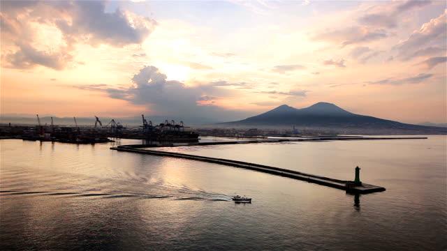 ネイプルズの港 - ナポリ点の映像素材/bロール