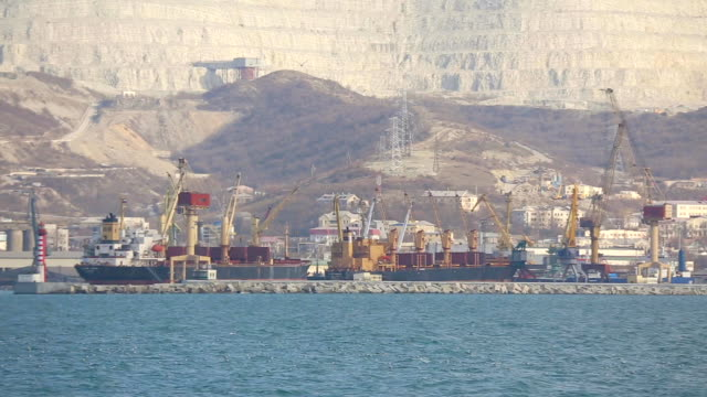 novorossiysk の港 - ポートワイン点の映像素材/bロール