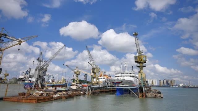 vídeos y material grabado en eventos de stock de port of tanjung perak surabaya. - java