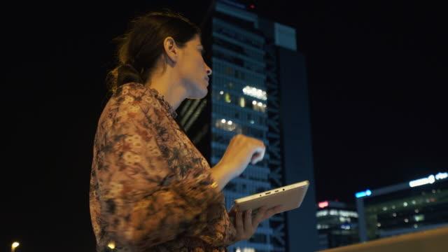 vídeos de stock, filmes e b-roll de portabilidade nunca foi tão fácil. - eficiência energética