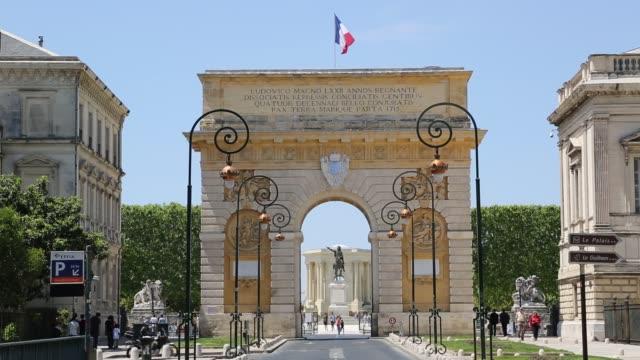 porte du peyrou, montpellier - モンペリエ点の映像素材/bロール