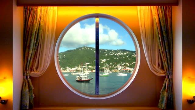 vidéos et rushes de hublot avec vue sur saint thomas, dans les îles vierges américaines - hublot