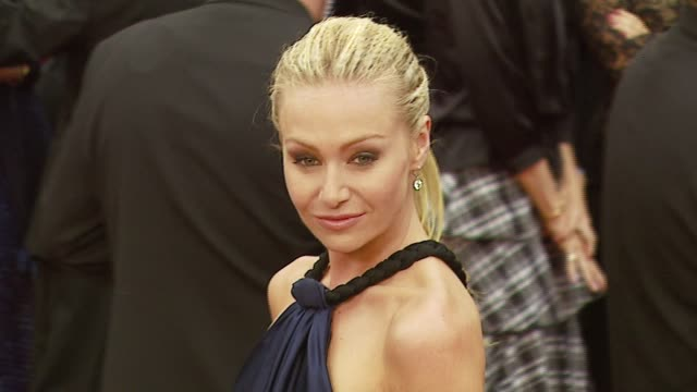 portia de rossi at the 2007 academy awards arrivals at the kodak theatre in hollywood, california on february 25, 2007. - 後ろで束ねた髪点の映像素材/bロール