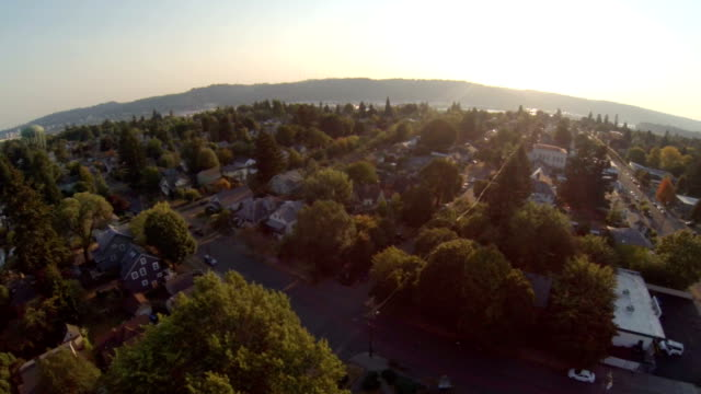 portland aerial viertel - blickwinkel aufnahme stock-videos und b-roll-filmmaterial