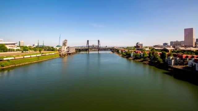 portland city - fiume willamette video stock e b–roll