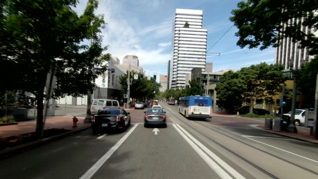 portland city x synced series front view driving process plate - portland oregon summer stock videos & royalty-free footage
