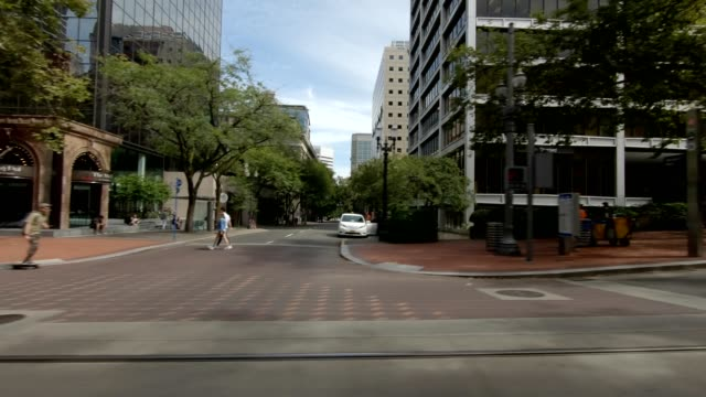 portland city xi synced series right view driving process plate - portland oregon stock videos & royalty-free footage