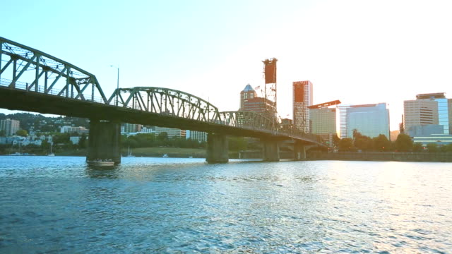 portland during sunset - portland oregon sunset stock videos & royalty-free footage