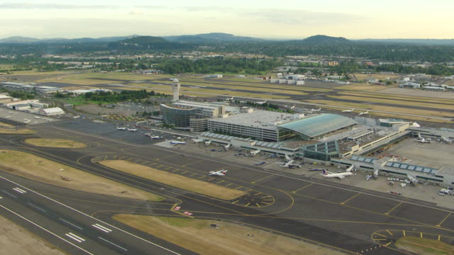 WS AERIAL DS Portland International Airport at dusk / Oregon, United States