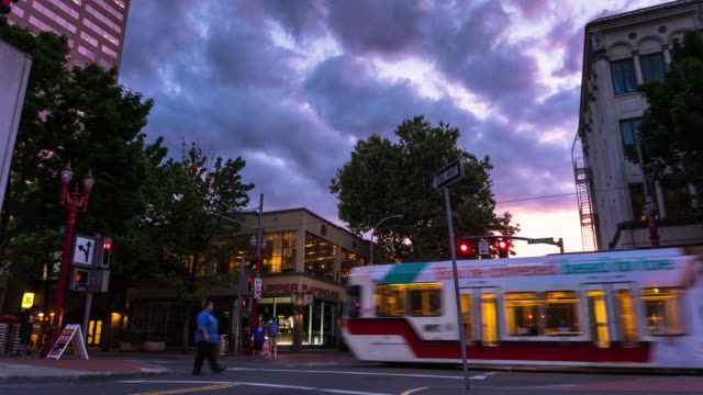 portland intersection at sunset - time lapse - portland oregon sunset stock videos & royalty-free footage