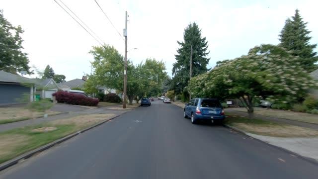 vidéos et rushes de portland northeast iii série synchronisée plaque de conduite de vue arrière - portland oregon