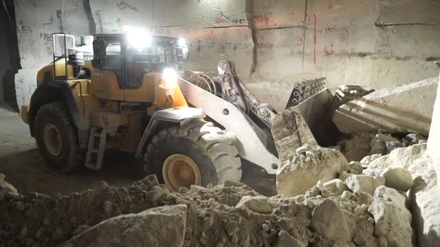 portland stone quarry on isle of portland, dorset - quarry stock videos & royalty-free footage